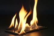 3 tác nhân có thể gây nổ điện thoại khi sạc qua đêm